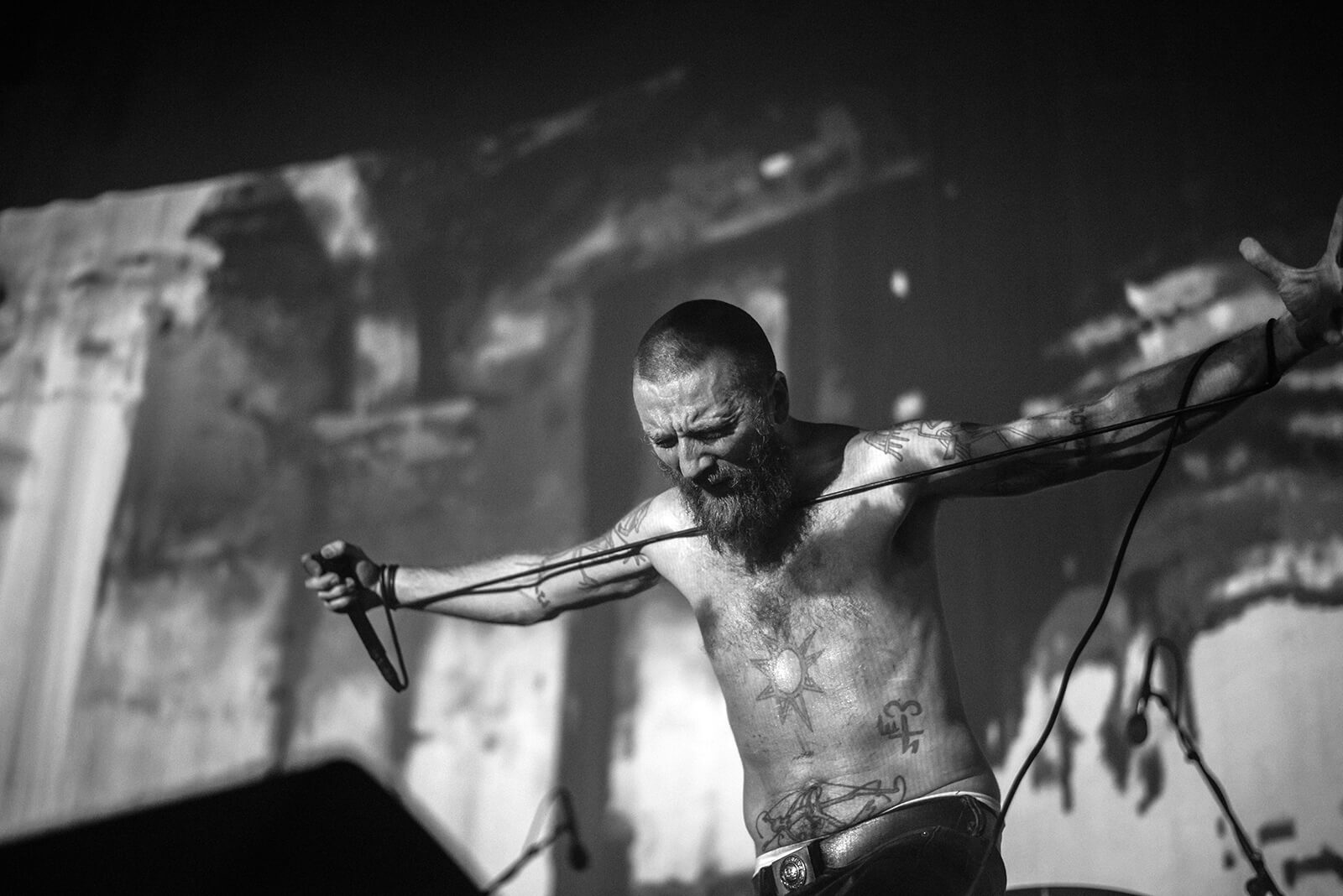 Amenra 20th anniversary – the building of the free church